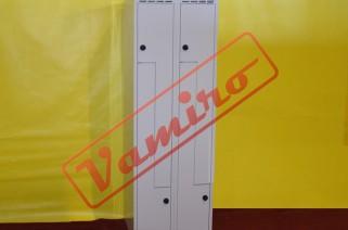 Použité plechové šatní skříňky - Použité plechové šatní skříňky čtyřdílné.